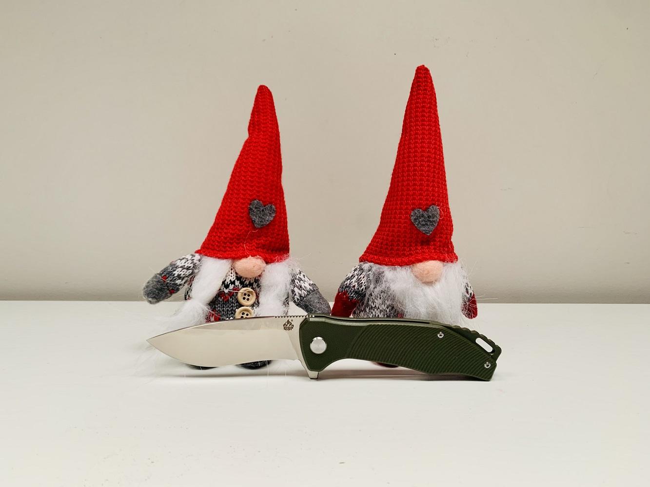 Nóż składany QSP Knife Raven. Święty Mikołaj.